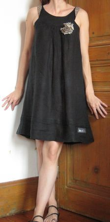 sundress tutorial. Would love to make a few up in linen if the muslin works out.