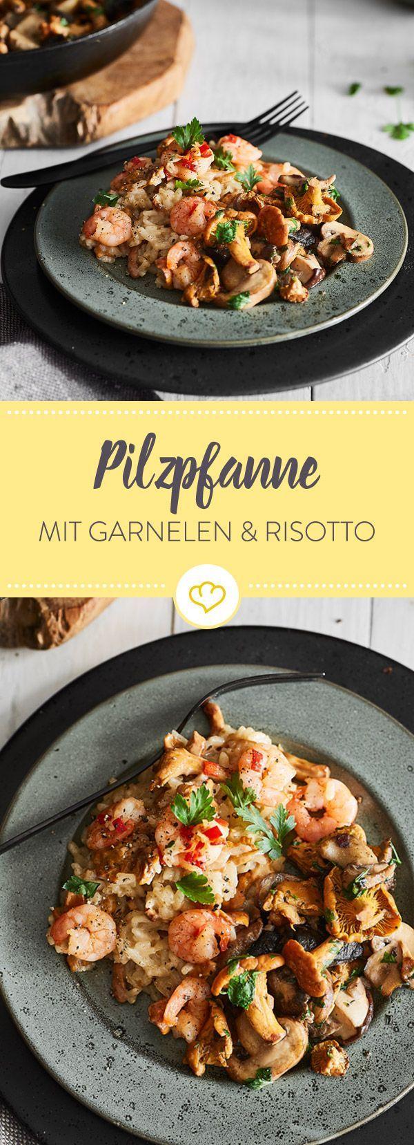 Feier den Spätsommer mit einer gemischten Pilzpfanne, cremigem Pfifferlingrisotto und scharf angebratenen Garnelen - und vielleicht einem Glas Wein...