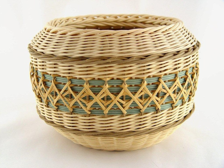 Kaleidoscope - Learn from Flo Hoppe at the 2013 Stowe Basketry Festival!