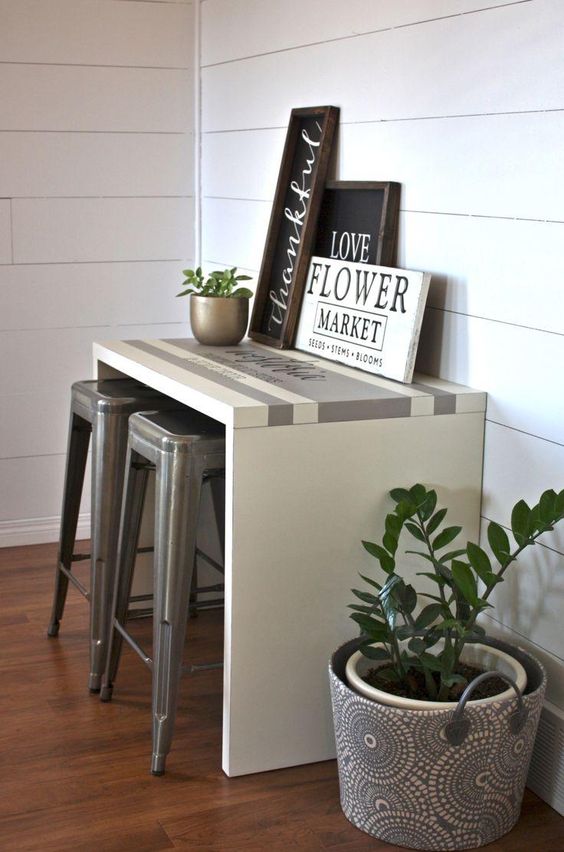 Ein einfacher Laminat-Schreibtisch bekommt ein Bauernhaus-Makeover