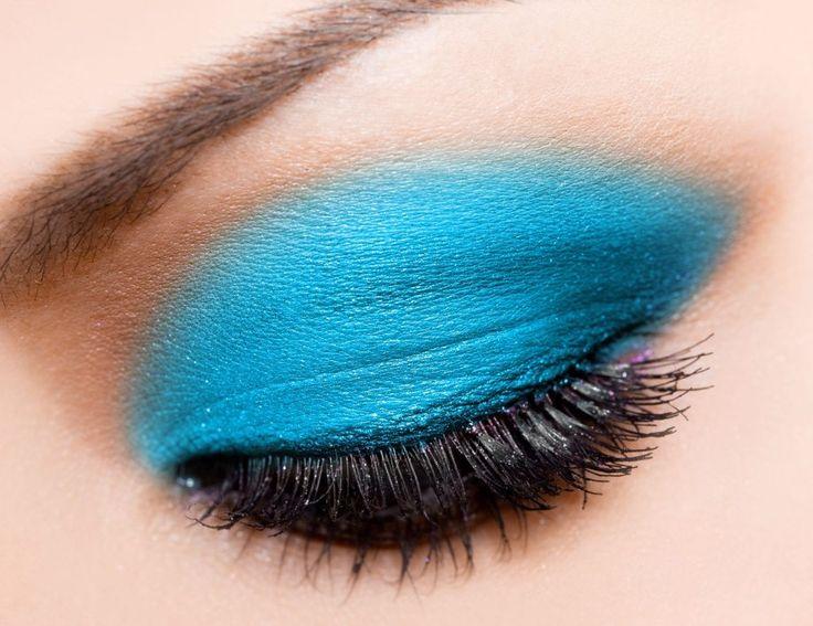 aqua eyeshadow