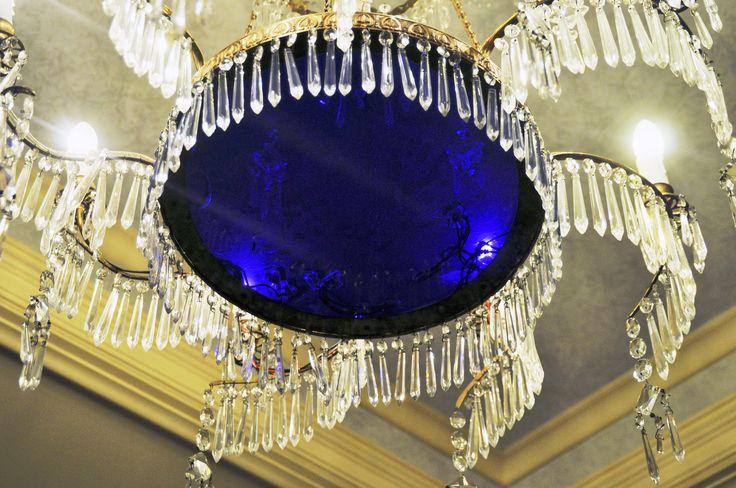 https://flic.kr/p/gcynut   Blue chandelier   Chandelier in lounge at Sir Stamford CIrcular Quay hotel in Sydney.