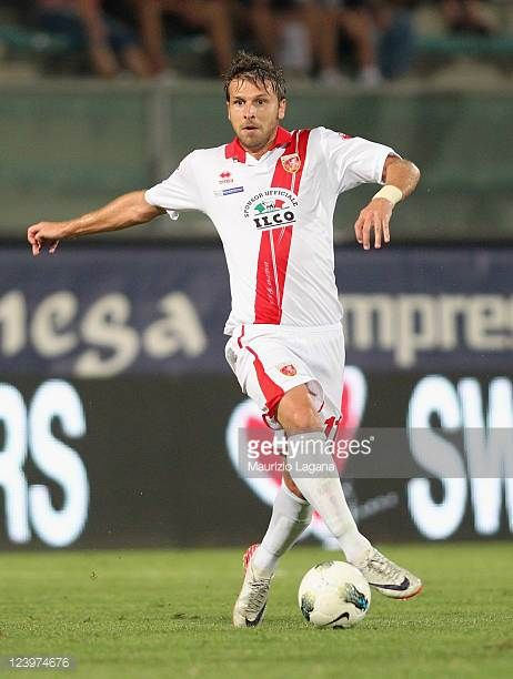 Paolo Zanetti of Grosseto runs with the ball during the Serie B match between Reggina Calcio and US Grosseto FC at Stadio Oreste Granillo on...