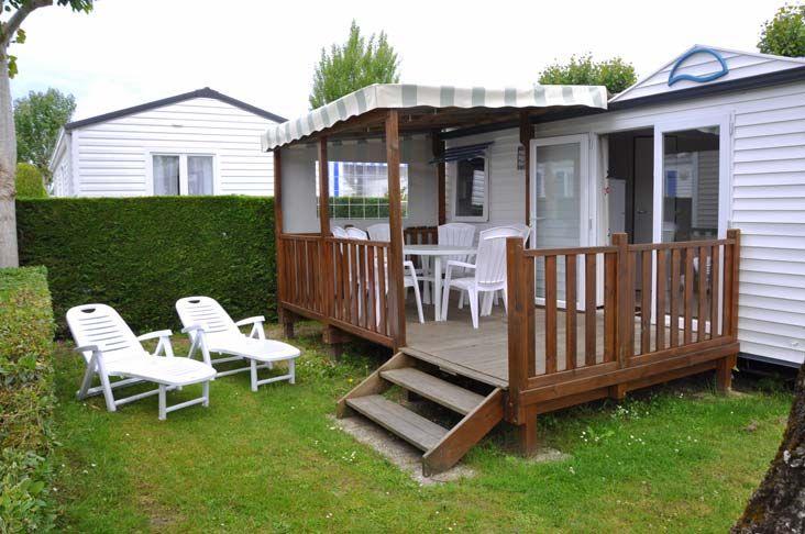 location mobil home 27 m² terrasse en bois Vendée - CAMPING LA PRAIRIE - Côte atlantique