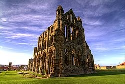 http://upload.wikimedia.org/wikipedia/commons/thumb/8/8f/Whitby_Abbey_image.jpg/250px-Whitby_Abbey_image.jpg