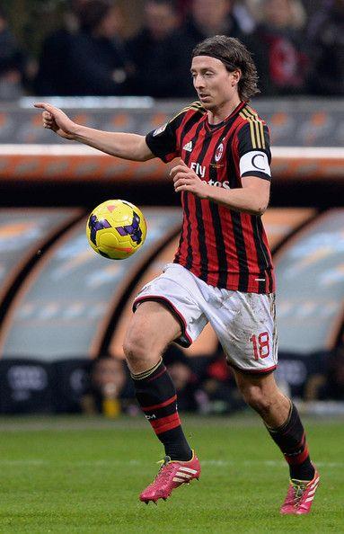 Riccardo Montolivo in AC Milan vs. FC Bologna (14/2/2014)