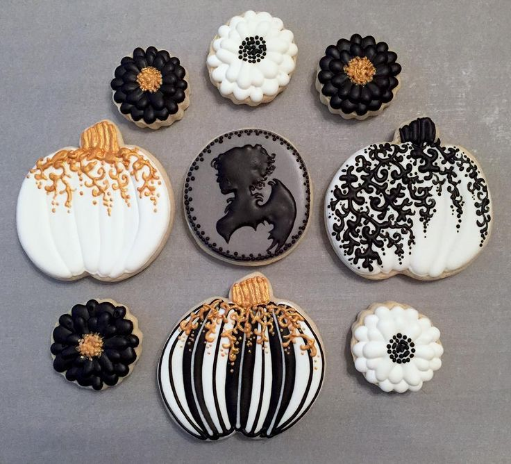 """67 Likes, 5 Comments - Local Tart Bakery Wichita, KS (@localtartbakery) on Instagram: """"some halloween cookie designs available to order ✨✨ #cookies #sugarcookies #cookieart…"""""""