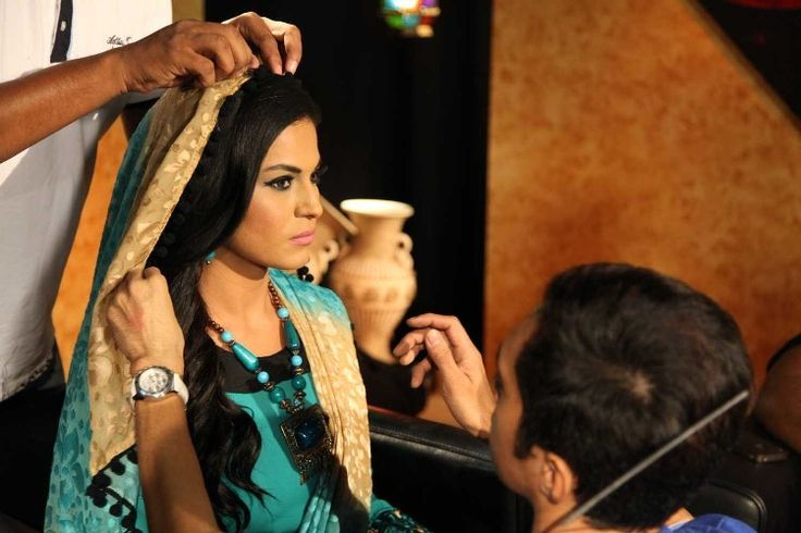 Pakistani Actress Veena Malik Is Becoming Religious
