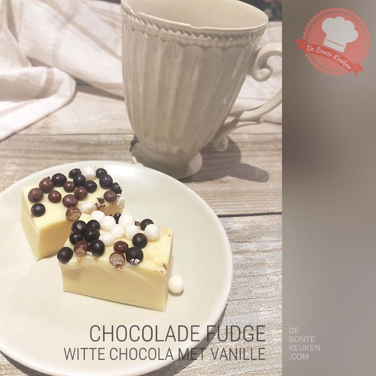 DeBonteKeuken: WITTE CHOCOLADE FUDGE MET VANILLE *liefde* (witte chocolade, gecondenseerde melk, vanille extract, ook nodig: bakblik 9x9cm, bekleed met vershoudfolie)