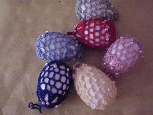 6 Deko-Eier Filethäkelei,  einfarbig mit Perlen, 7cm made by Strickedoo via DaWanda.com