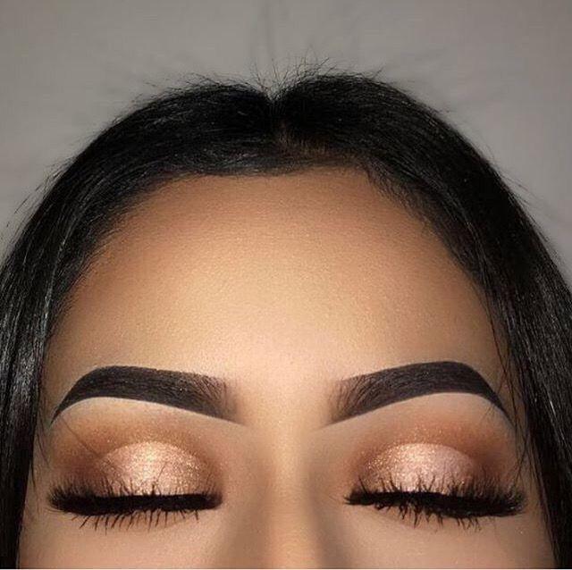 Wie du deine Augen einfach und schnell größer schminken kannst. Tipps und Tricks für eine Augen Make Up Abend.