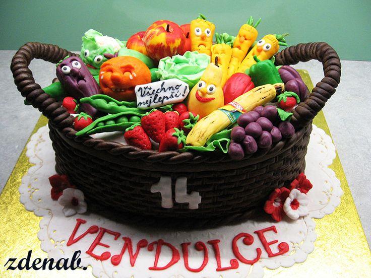 košík s ovocem a zeleninou
