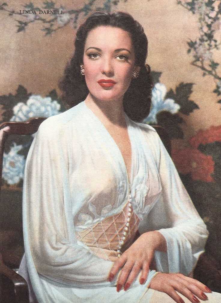 Linda Darnell vintage photo 1950s Hollywood movie star glamour photo.