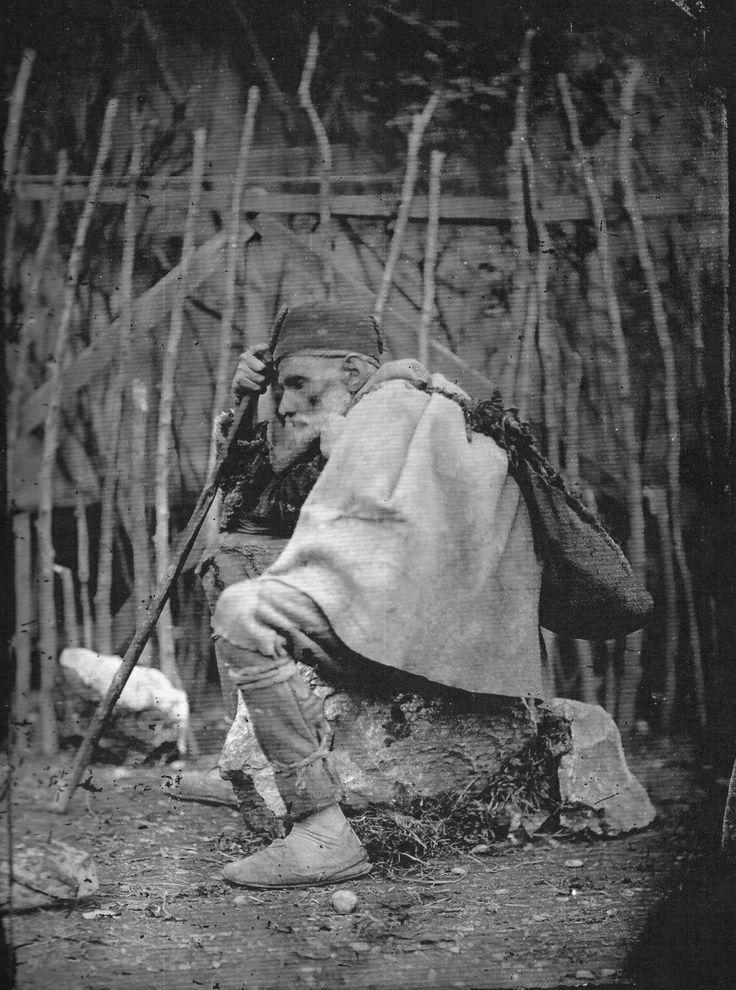 """Pjetër Marubi, """"Der Bettler"""" (The Peddler) 1885"""