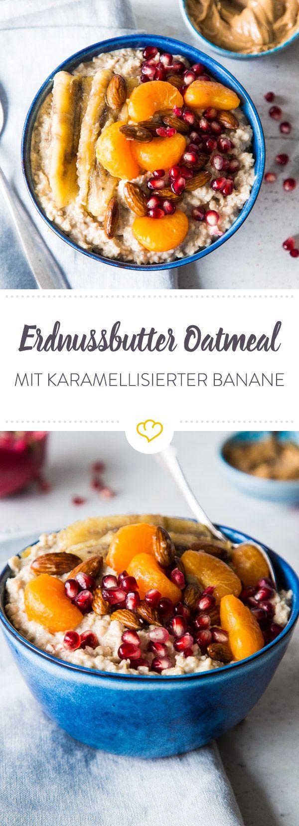 In das Erdnussbutter Oatmeal kommen zu der karamellisierten Banane noch Mandarinenstücke und Mandeln. Nicht nur lecker, macht auch satt und gibt Kraft!