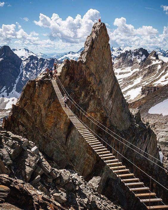 Mount nimbus Canada