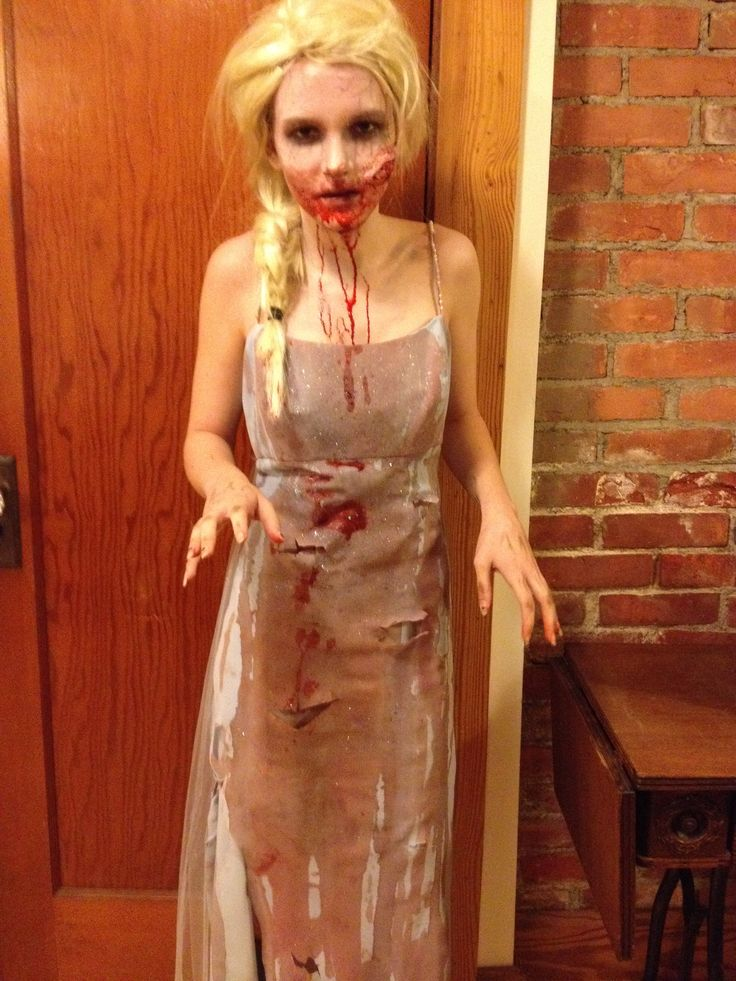 Zombie Elsa Tessa