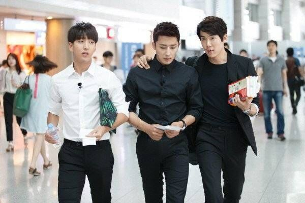 'Reply 1994's Baro, Son Ho Joon, and Yoo Yun Suk embark on a trip for 'Youth Over Flowers' | http://www.allkpop.com/article/2014/07/reply-1994s-baro-son-ho-joon-and-yoo-yun-suk-embark-on-a-trip-for-youth-over-flowers