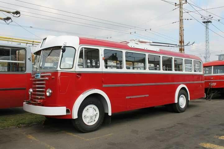 Ikarus 60T 1955-ben készült. Gyönyörűen felújított állapotban.