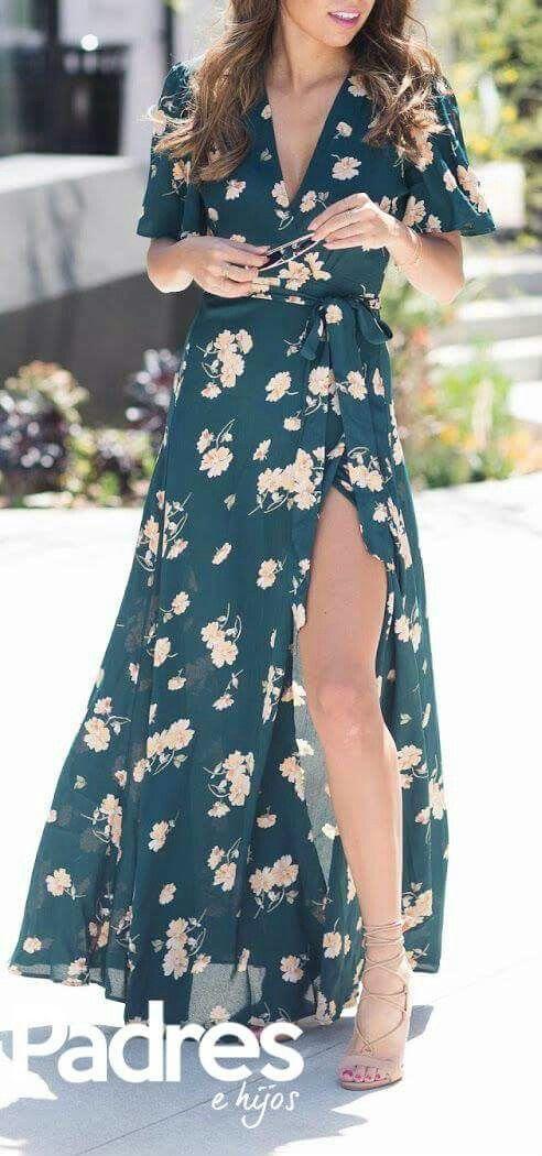Liebe dieses Kleid, Länge, Muster, Farbe, Ausschnitt, Ärmel und Schlitz