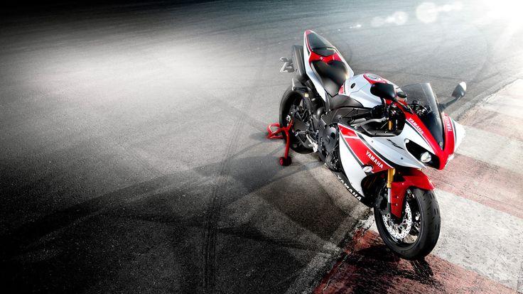 Yamaha R1 2012 statico