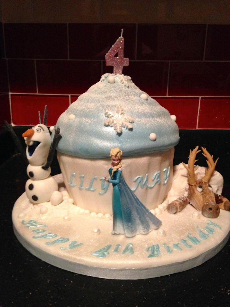 Frozen birthday cake for a 4 year old My Cakes Pinterest