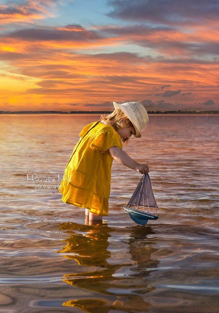 #sunset #cute #girl #lake #sailing #boat #kids #photography #photo