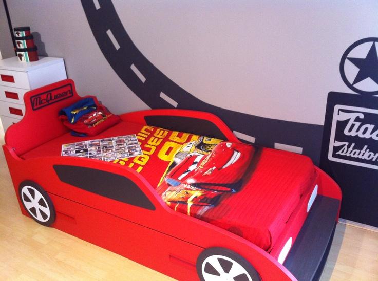Exposici n de dormitorio infantil tem tico de cars en - Dormitorios de cars ...