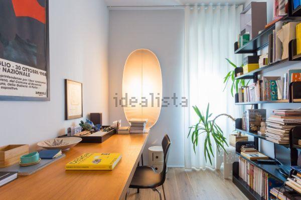 Immagine Camera da letto di trilocale su via campania, 21, Indipendenza-Regina Giovanna, Milano