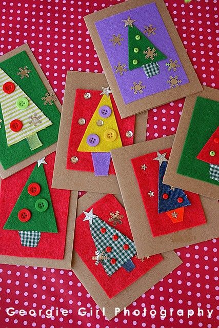 2014 colorful button Christmas baize tree card with snowflakes and star topper decors - Christmas handmade gift #2014 #Christmas #card #gift #Decor #Craft