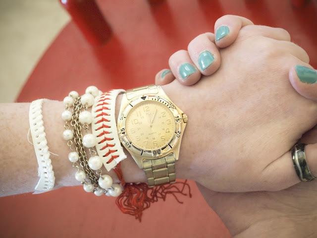 How to make a baseball into a braceletBracelets Tutorials, Diy Crafty Stuff, Baseball Bracelets, Basebal Bracelets, Crafty Things, Covers Letters, Crafts Time, Crafts Diy, Baseball Softball Stuff