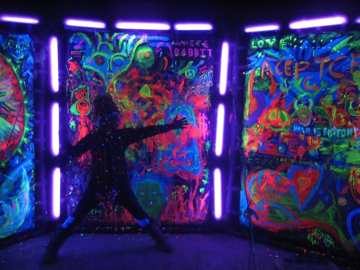 Use glow in the dark paint to make backdrop for photos or around dance area. endless ideas that can be made in advance!