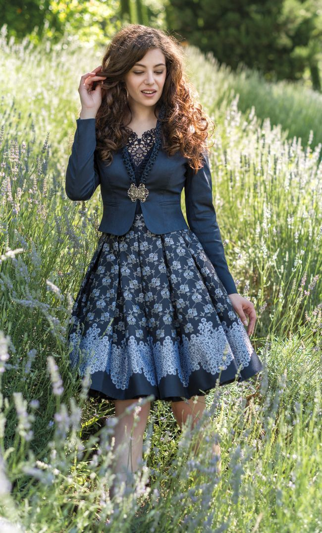 best 25 oktoberfest outfit ideas on pinterest dirndl. Black Bedroom Furniture Sets. Home Design Ideas