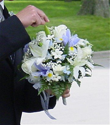 Blue and White Wedding Bouquet - 1000's of Wedding Flower Pictures