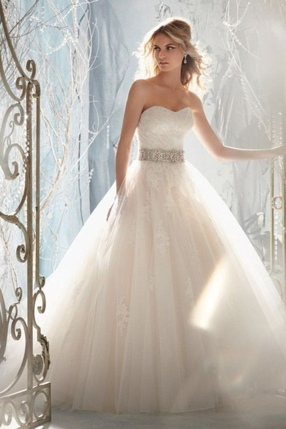 This is so pretty like a princess!!!   Clearance Applique Wedding Dresses In Stock by EllePromDress, $97.90