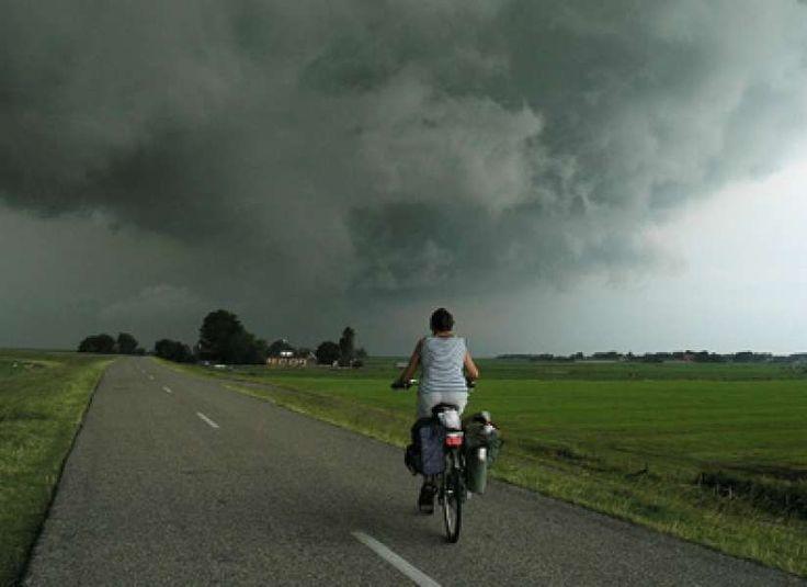 Bent u op een fiets veilig bij onweer? Absoluut niet! 21 overlevingstips | Fietsen123