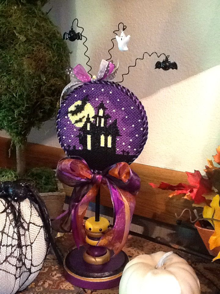 Sue M. from Luv 2 Stitch did the stitching on this haunted design, so cute.