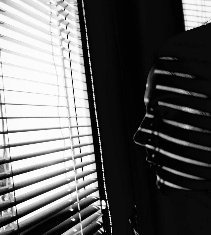 photo by keylee181 #blackandwhite #contrast #light #shadow #siluet