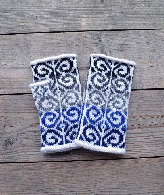 Handknit Gray Fingerless GlovesGray and Blue Wool by lyralyra