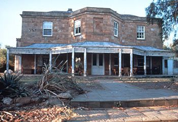 Back view of Drover's Run - the house from one of my ALL TIME FAVOURITE shows: McLeod's Daughters.