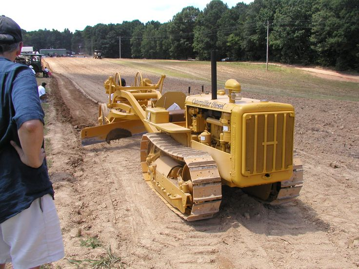 Old Antique Caterpillar Tractors : Best images about tractors on pinterest old