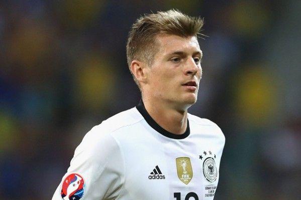 """Kroos """"vô đối"""" về khoản chuyền bóng tại EURO 2016"""
