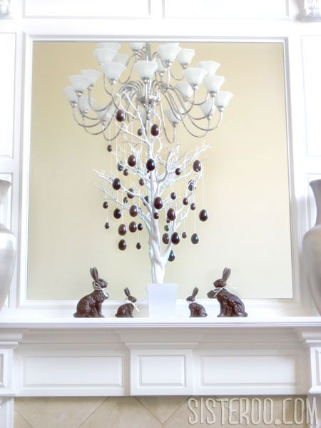 DIY Faux Milk & Dark Chocolate Easter TreeDiy Faux, Dark Chocolates, Easter Spr, Easter Eggs, Easter Trees, Chocolates Eggs, Diy Chocolates, Faux Chocolates Easter, Faux Milk