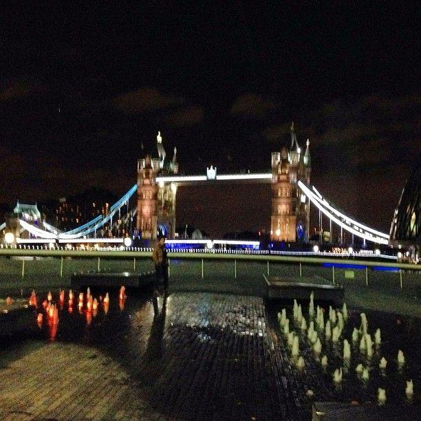 Kanon utsikt fra restauranten vår. #londonweekend #londonbridge #view #utsikt #koseross #lifeisgood #liveterherlig