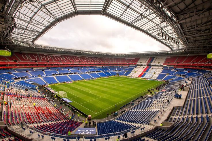Parc Olympique Lyonnais. Une capacité d'accueil de près de 60 000 places