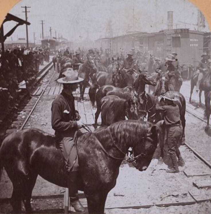 """robertpiers:  Рузвельта """"грубые всадники"""" прибытие в Тампа, штат Флорида, приблизительно 1898. Испано-Американской Войны."""