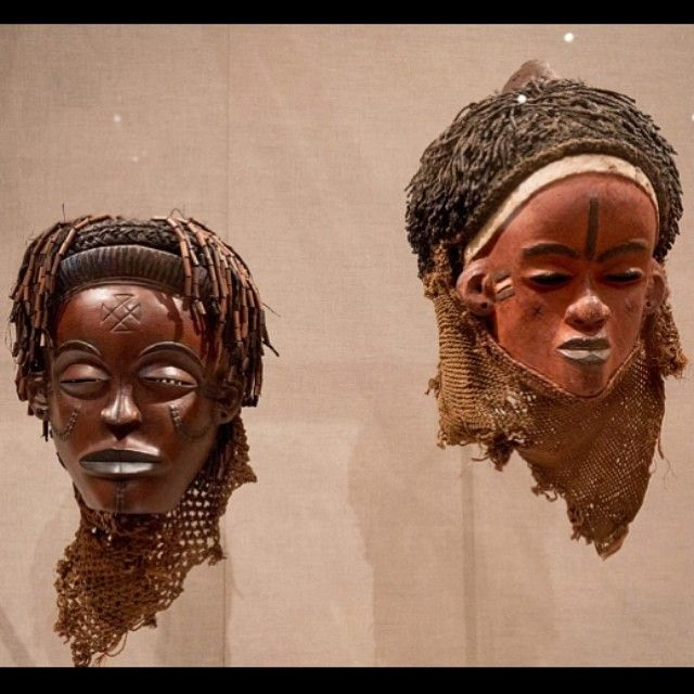 Scarification patterns on two masks (Chockwe, L; Pende, R) from Angola/Congo, late 19th/early 20th c. Part of the Art Institute of Chicago's new-ish African object installation. Visit tattoohistorian.com for more #tattoohistory!