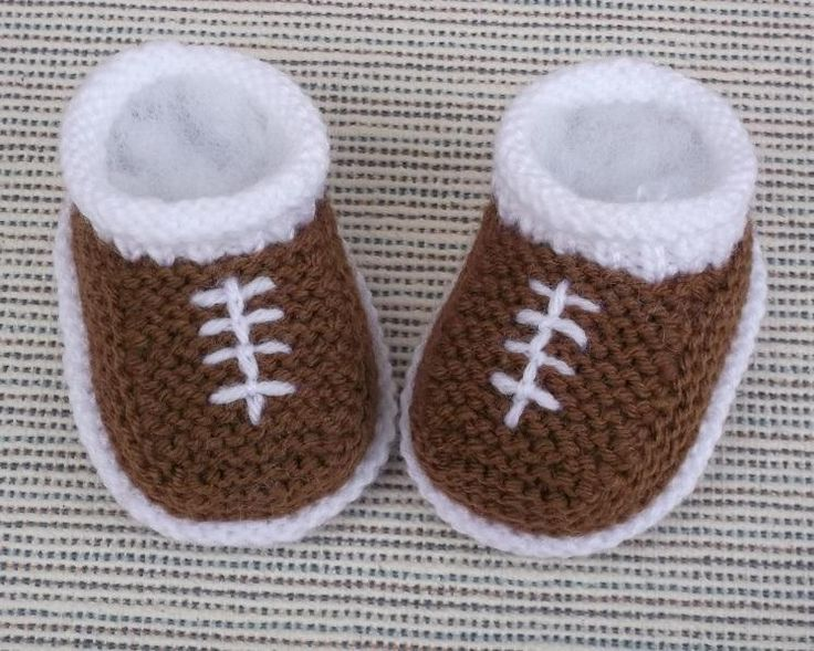 Nothing is cuter than a sleeping new baby in hand knit shoes. Baby shoes make adorable keepsakes and have even more sentimental meaning when knit by a friend or a family member. Explore these five baby bootie projects and their accompanying patterns, all created by Craftsy community members.