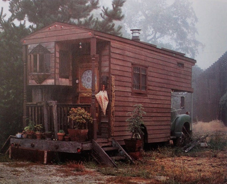 """In English they are called """"Rolling homes"""": a mix between the camper and trailer bohemian."""