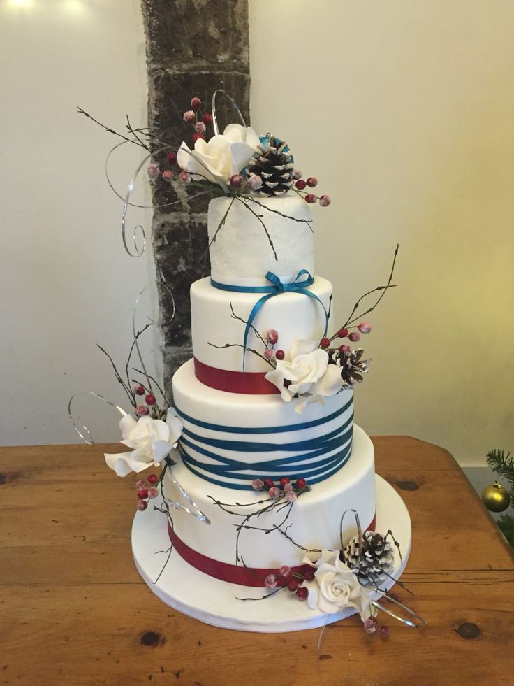 wedding cakes in lagunbeach ca%0A A Winter Christmas Wedding  Cake by
